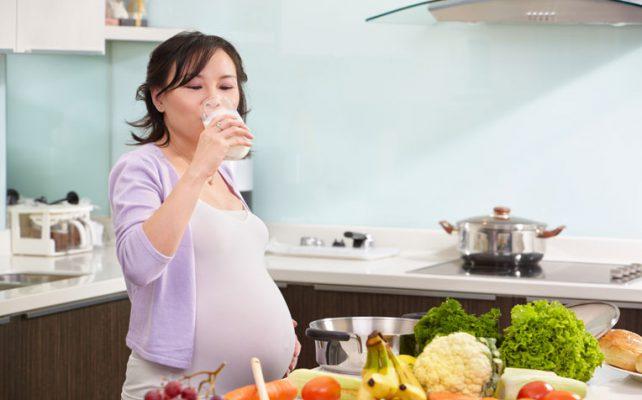 مایعات رژیم تغذیه دوران بارداری